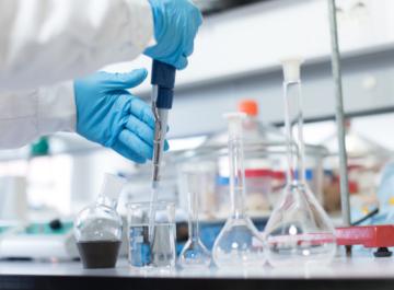 CHEMIKALIENBESTÄNDIGE | OBERFLÄCHEN